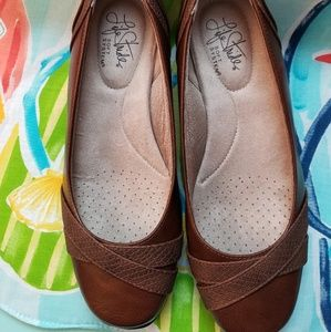 NWT Life Stride Soft System Flat Dress Shoes 6 1/2